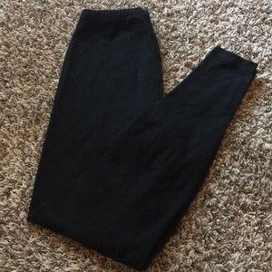 Basic pair of leggings